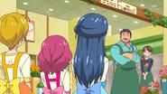 HuPC06.18-Shintarou agradece la ayuda de las chicas