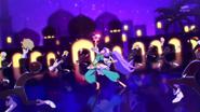 Piña Árabe bailando