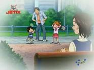 Ryouta pequeño juega badminton