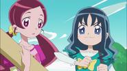 Erika decidida a terminar de todas formas el vestido junto a Tsubomi