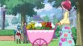 Megumi vestida de florista