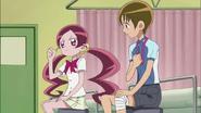 Tsubomi le cuenta a Hayashi sobre hacer su propia ropa como meta de verano
