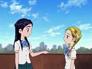 Honoka hikari hablan amistad