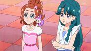 43. Haruka y Minami en el equipo de las gatas