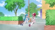 Megumi hablando con el perro