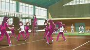 Tsubomi golpeada por un balón de volleyball