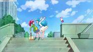 Hime le dice a Megumi que si puede encontrar un vestido bonito para ella