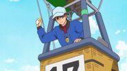 HGPC27 Kazu gets ready to throw the bag