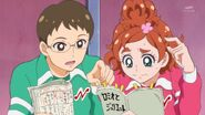 59. Kenta ayudando a Haruka a aprnderse su guion
