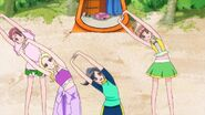 HGPC35 - Gimnasia de chicas en la playa