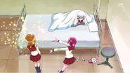 Megumi presentando a Yoko