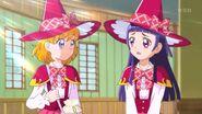 04. Riko y Mirai en su primer dia de clases