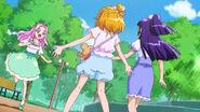 Mirai, Riko y Hanami al final del episodio