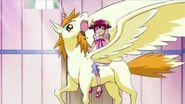Miyuki montando a Pop