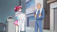 El abuelo le dice que Mami no lavaria su bata hasta rendirse