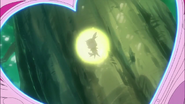 Yuri observa que cologne se encuentra en el arbol Corazón