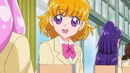 Mirai le explica a Kotoha sobre el tema