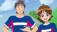 Seiji presentando a Gon Nakayama