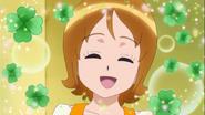 Yuko se alegra de que todas le ayuden