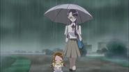 Yuri llevando a Haruka a casa