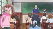 Hinata interrumpe la presentación de Nodoka