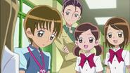 Hayashi sintiendose avergonzado de tantos cumplidos