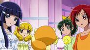 Pop diciendoles a las chicas que en Marchenland, tambien hay un dia parecido a el de Tanabata