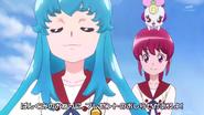 Hime cantando sobre los panqueques; y Ribbon diciendole que Megumi nunca ha llevado una amiga a su casa