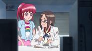 Mami le pide a Megumi las pinzas