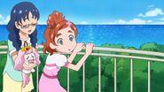 26. Haruka y Yui observando a Miss Shamour