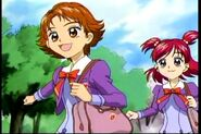8. Rin y Nozomi dirigiendose al instituto
