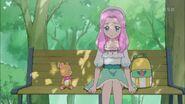 Kotoha y Mofurun sentados en un banco.