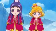 76. Riko y Mirai escuchando a Mofurun