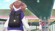 Hinata le dice a sus amigas que Chiyu y Nodoka siguen donde está el monstruo