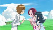 Itsuki le cuenta a Tsubomi y Erika el sueño que tuvo acerca de Moonlight