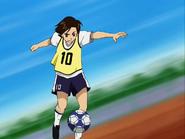 Fujip juega futbol