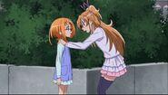 Hibiki le dice que si cree eso de su madre