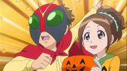 Takuma y Eri piden dulces a Blue
