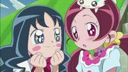 Erika le pide a Tsubomi que de vueltas