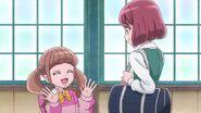 Hinata se presenta con Nodoka