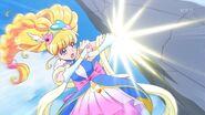 Miracle en su estilo Zafiro golpeando al Yokubaru