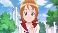 Yuko dandole a Hime un dulce