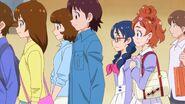Haruka y Yui en la fila