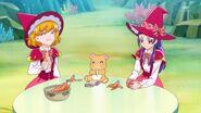 56. ...Como Mirai, Mofurun y Riko almuerzan