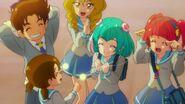 STPC40 - Lala, Hikaru y sus compañeras están felices.