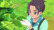HGPC24 Sakuya checking the leaves