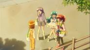 Megumi y Hime con hambre