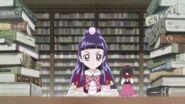 Riko estudiando en la biblioteca