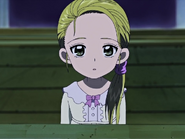 Hikari mira cielo preguntandose niño