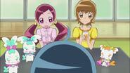 Tsubomi e Itsuki acompañan a Erika a desayunar